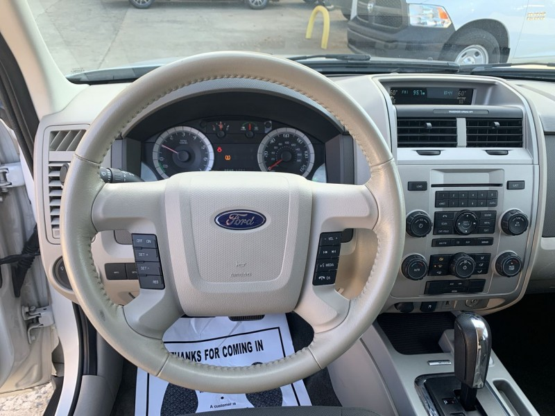 Ford Escape 2009 price $6,400