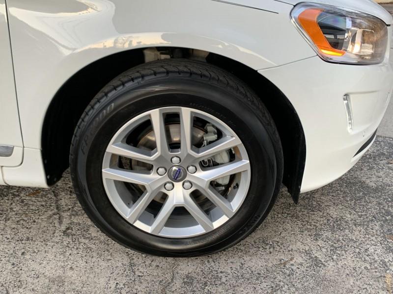 Volvo XC 60 2017 price $15,900