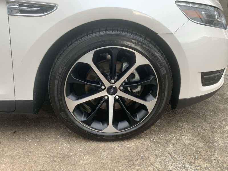 Ford Taurus 2016 price $14,900
