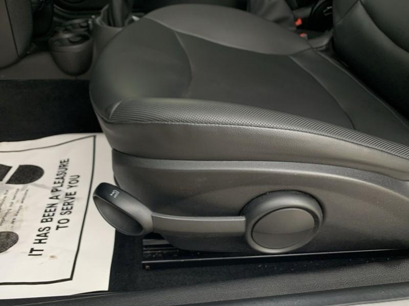 Mini Cooper Convertible 2014 price $12,800