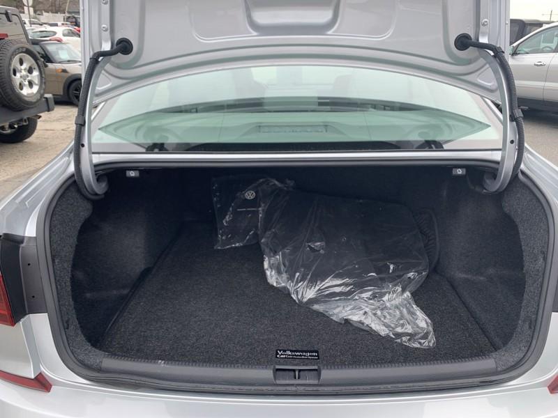 Volkswagen Passat 2017 price $16,300