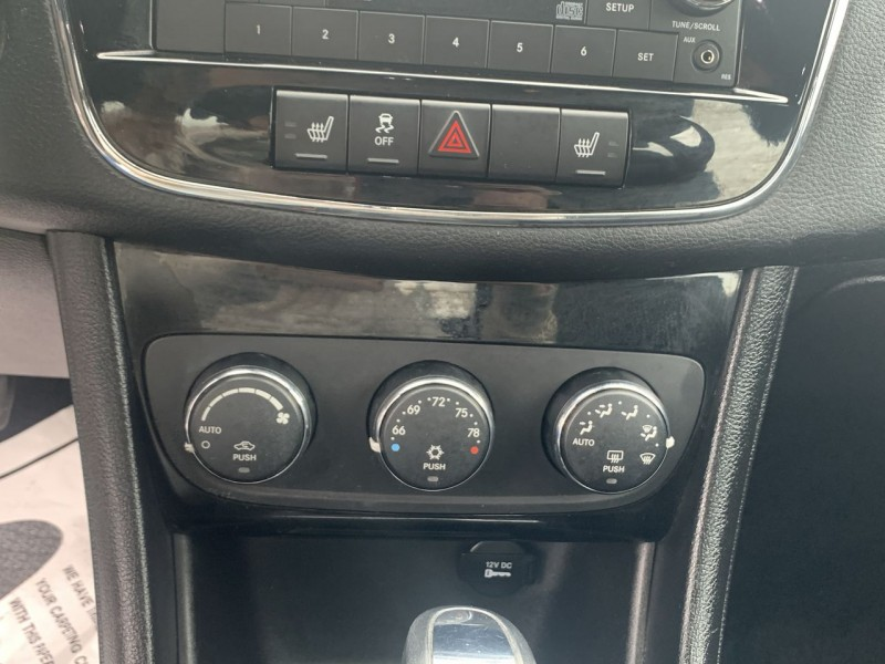 Chrysler 200 2013 price $9,400