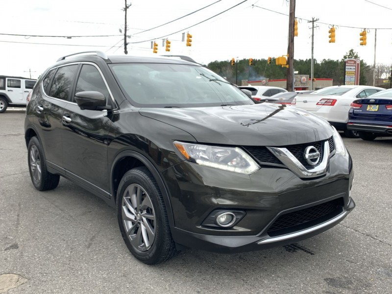 Nissan Rogue 2016 price $13,900