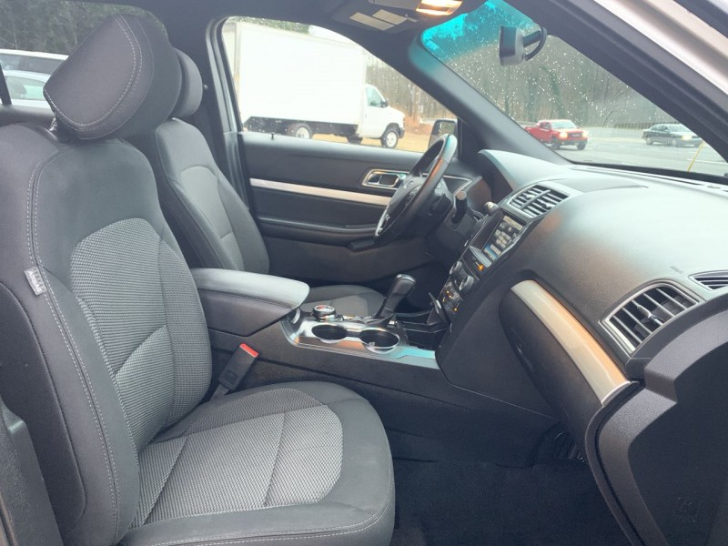 Ford Explorer 2016 price $17,900