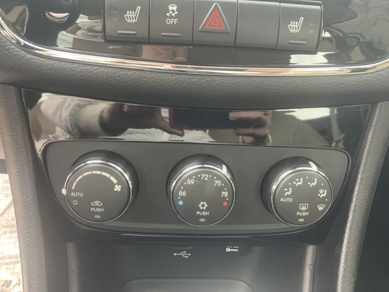 Chrysler 200 2011 price $7,800