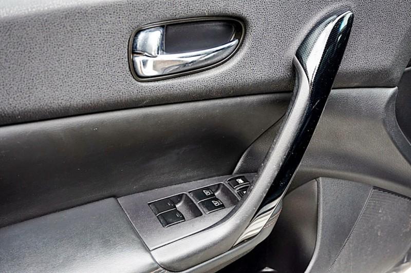 Nissan Maxima 2011 price $7,950