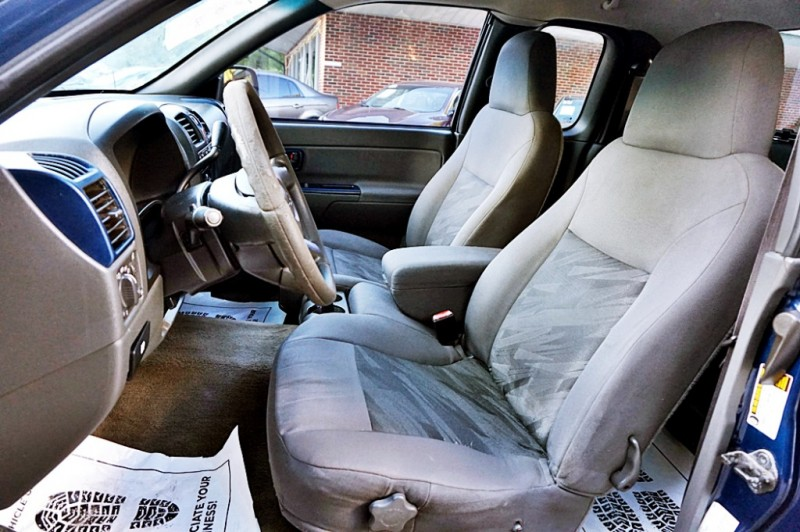 Chevrolet Colorado 2004 price $7,900