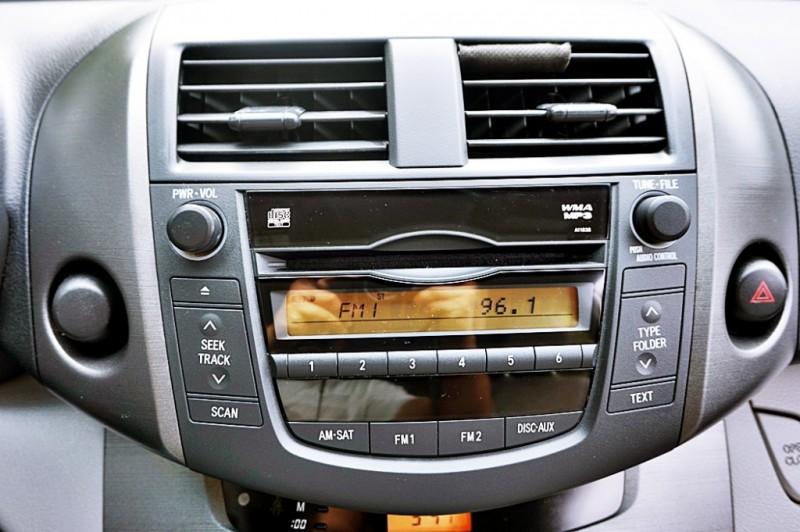 Toyota RAV4 2009 price $7,400