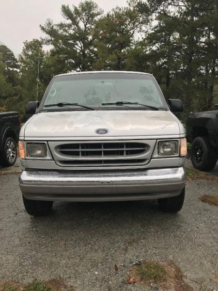 Ford Econoline Cargo Van 2002 price $2,500