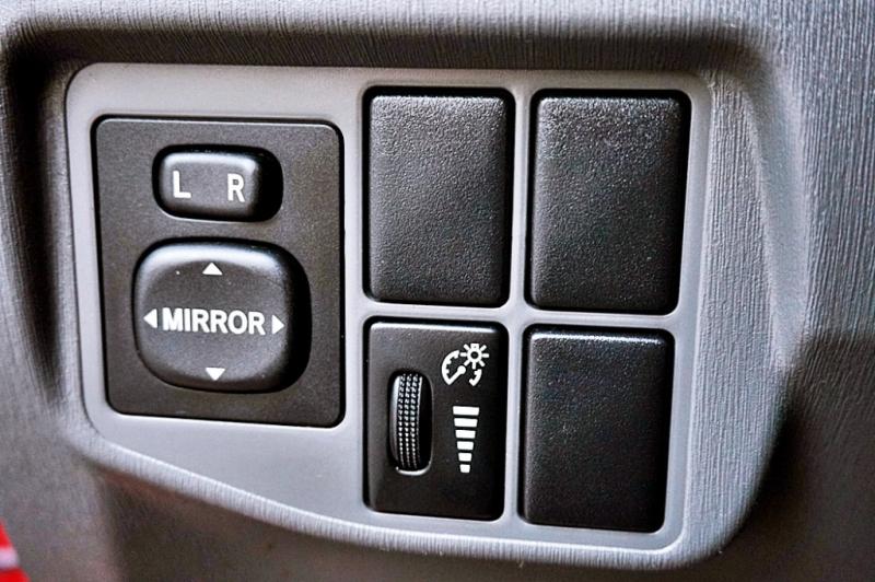 Toyota Prius 2011 price $6,450