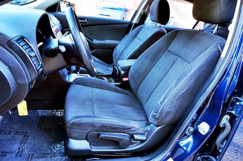 Nissan Altima 2011 price $5,950