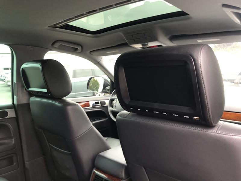 Volkswagen Touareg 2010 price $12,980