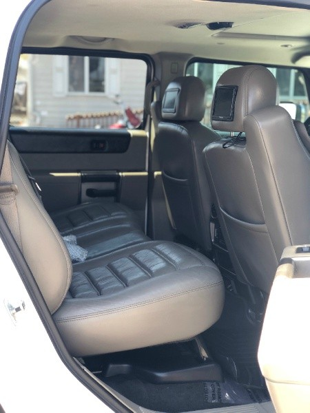 Hummer H2 2004 price $18,480