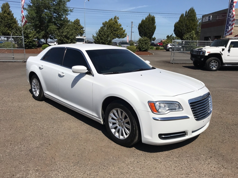 Chrysler 300 2012 price $12,980