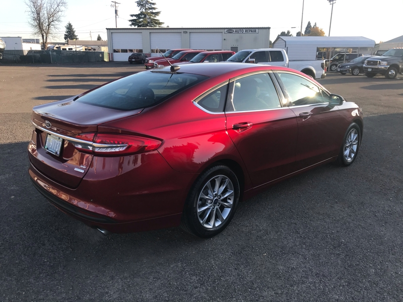 Ford Fusion 2017 price $15,980