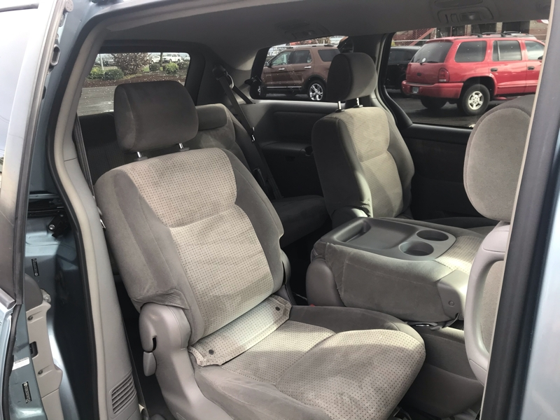 Toyota Sienna 2007 price $6,980