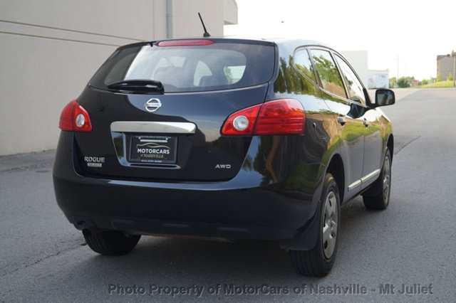 Nissan Rogue Select 2015 price $12,599