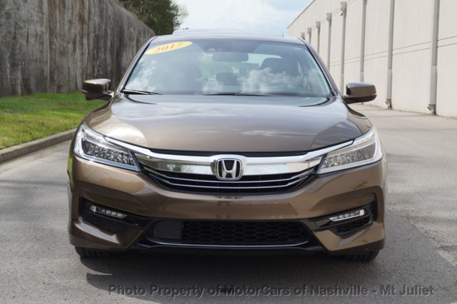 Honda Accord Hybrid 2017 price $25,699