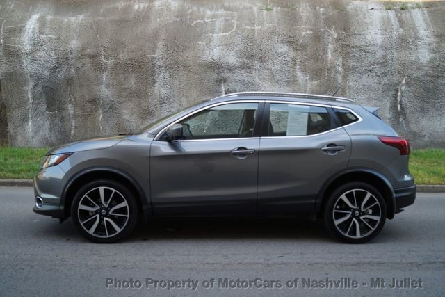Nissan Rogue Sport 2017 price $17,399