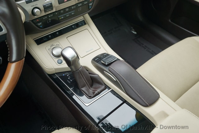 Lexus ES 300h 2016 price $25,499