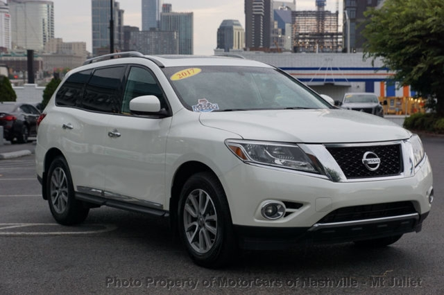 Nissan Pathfinder 2016 price $15,699
