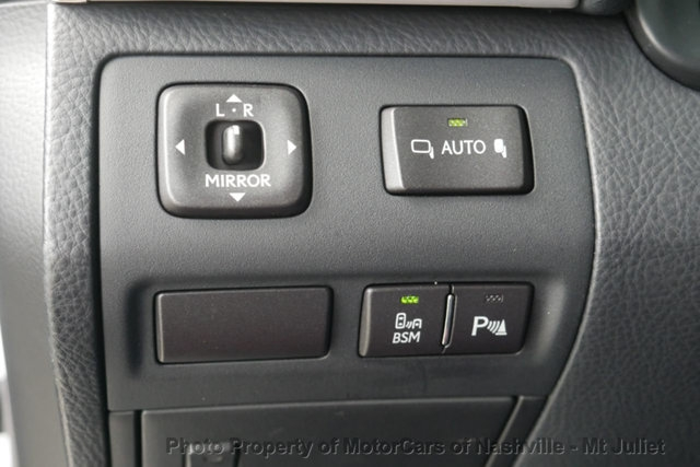 Lexus LS 460 2015 price $34,299