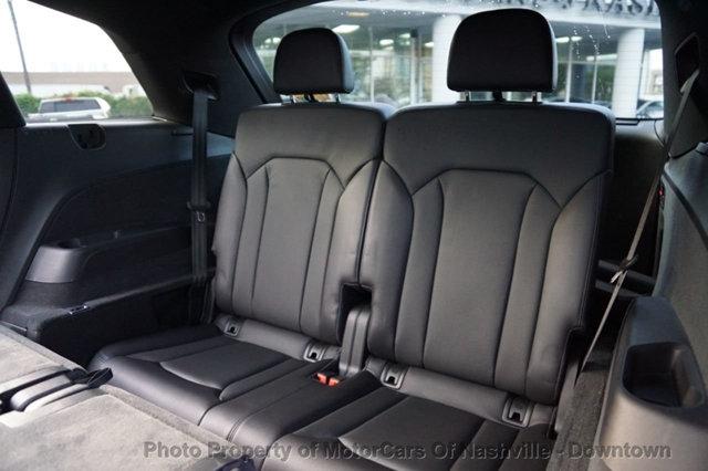 Audi Q7 2017 price $34,299