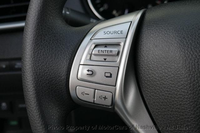Nissan Rogue 2016 price $12,899