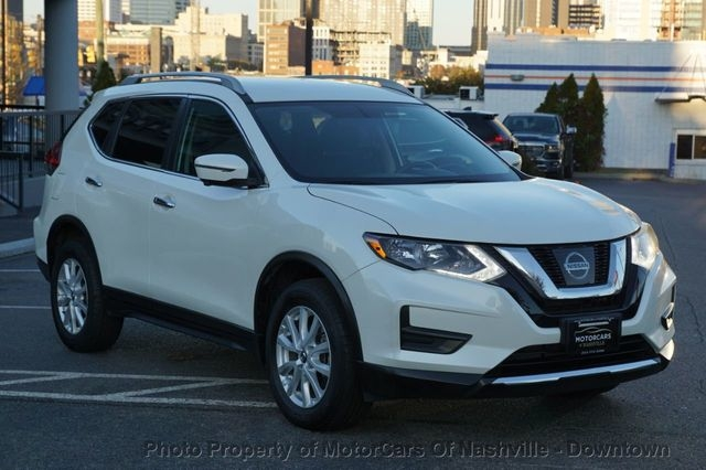 Nissan Rogue 2017 price $17,899