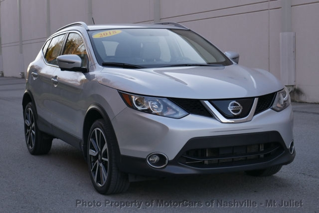 Nissan Rogue Sport 2018 price $18,299