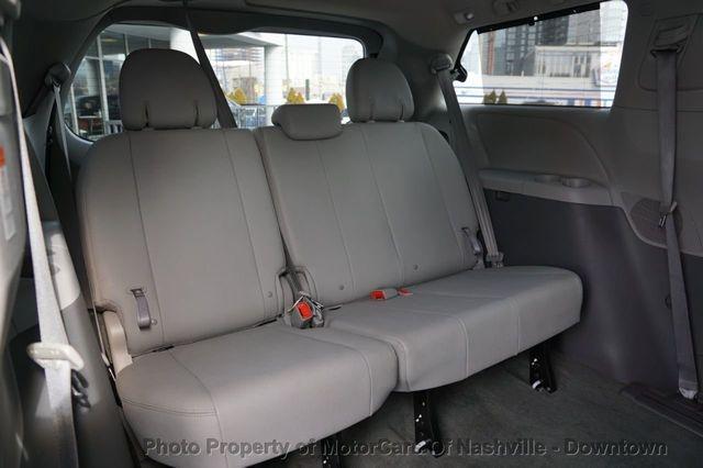 Toyota Sienna 2017 price $25,699