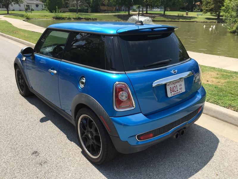 Mini Cooper Hardtop 2010 price $5,950