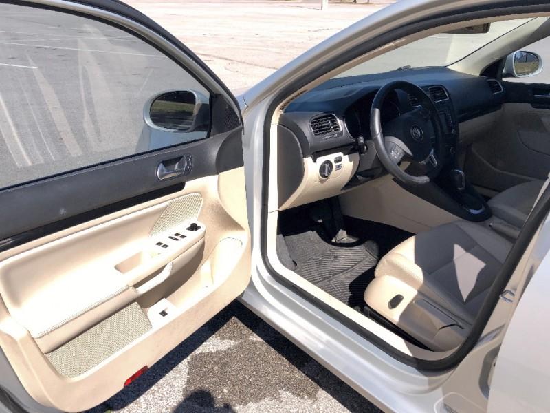 Volkswagen Jetta 2011 price $7,950