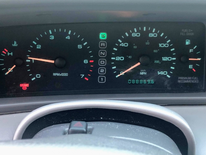 Lincoln Mark VIII 1997 price $3,950