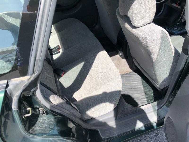 Subaru Legacy Sedan 2001 price $1,500