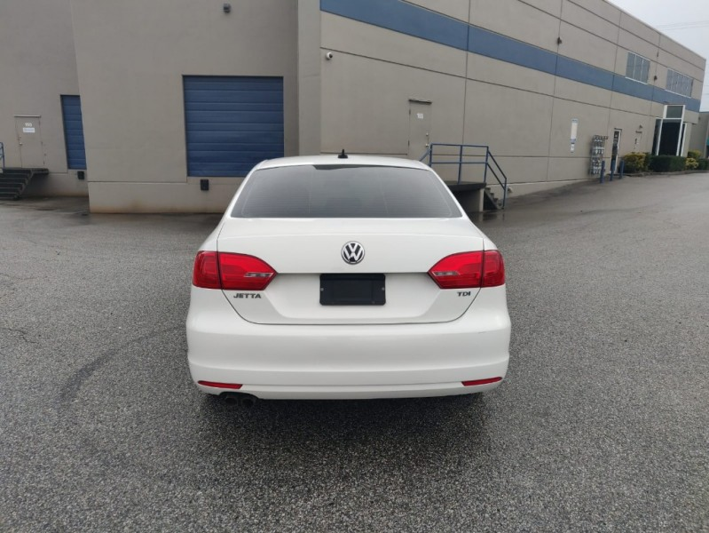 Volkswagen Jetta Sedan 2012 price $10,999