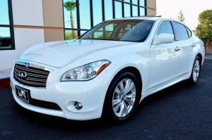 Infiniti M37 - Navigation - Cooled Seats 2011