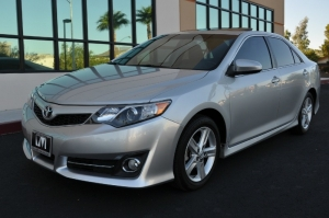 Toyota Camry SE - Navigation - Moonroof 2014