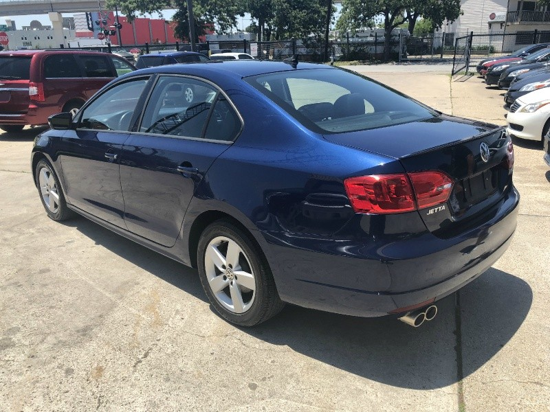 Volkswagen Jetta Sedan 2012 price $6,900