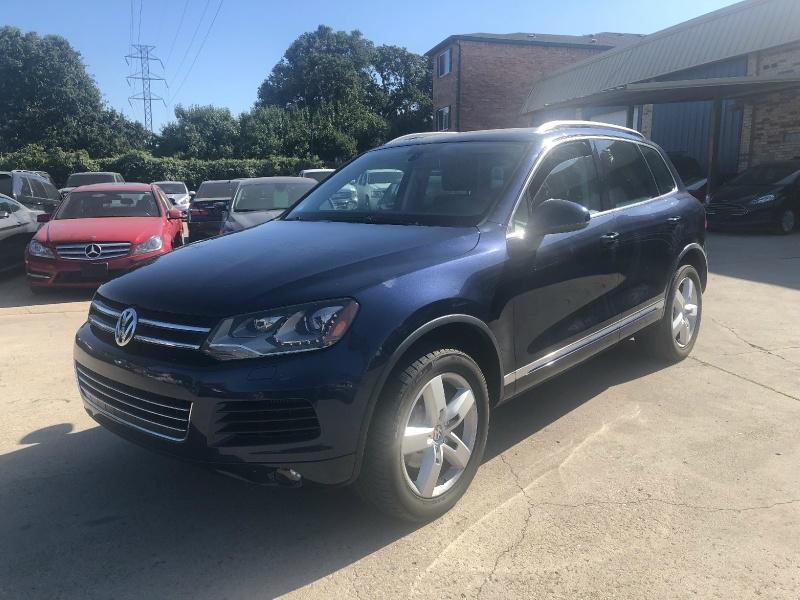 Volkswagen Touareg 2011 price $9,495