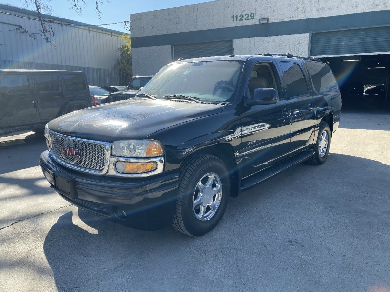 GMC Yukon XL Denali 2003 price $3,995