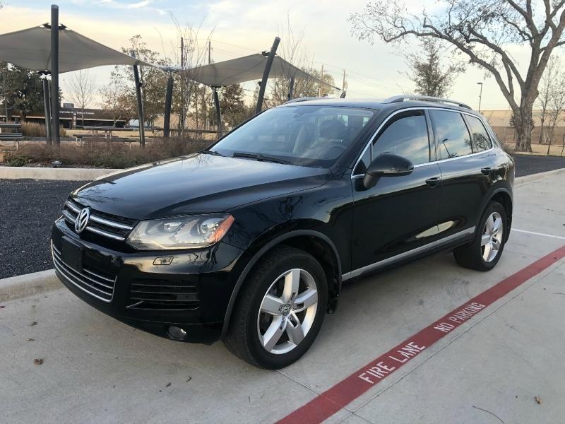 Volkswagen Touareg 2012 price $9,200