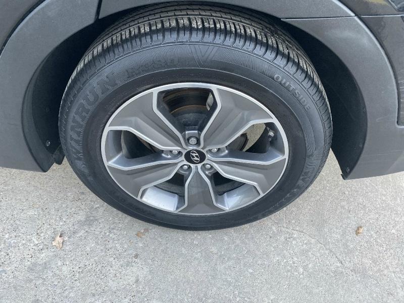 Hyundai Santa Fe 2013 price $10,995