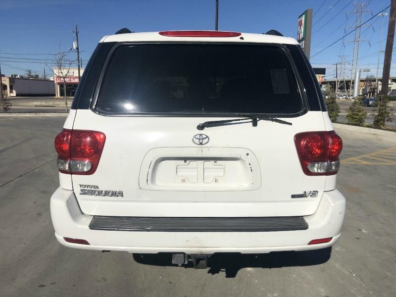 Toyota Sequoia 2007 price $6,400