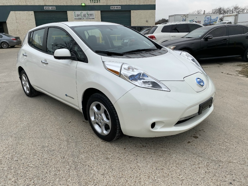 Nissan LEAF 2015 price $8,995