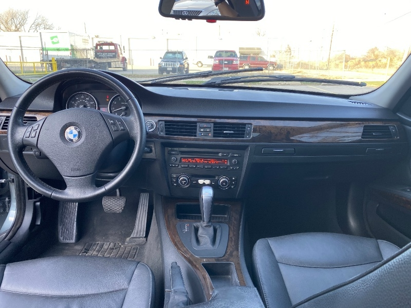 BMW 3-Series 2010 price $5,995