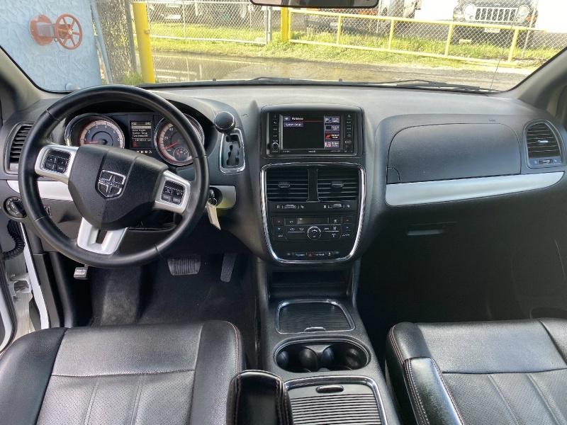 Dodge Grand Caravan 2016 price $8,600