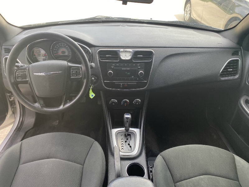 Chrysler 200 2012 price $4,600