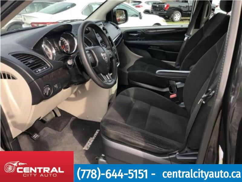 Dodge Grand Caravan 2016 price $15,999