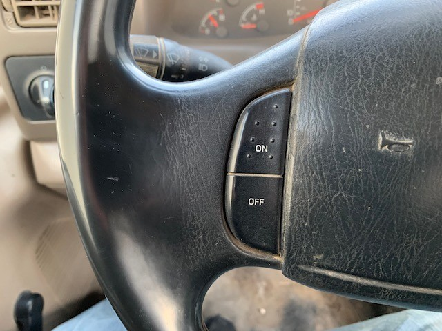 Ford Super Duty F-350 DRW 2000 price $4,598 Cash